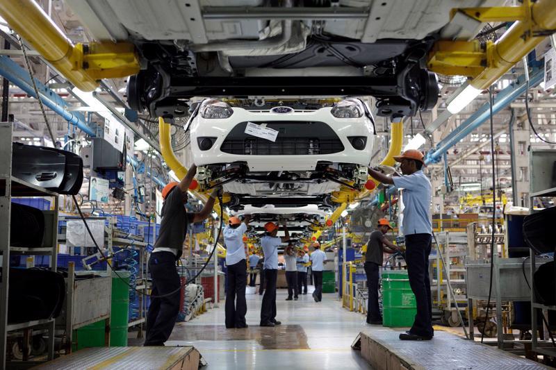 Trong một nhà máy của Ford ở Ấn Độ - Ảnh: NYT.