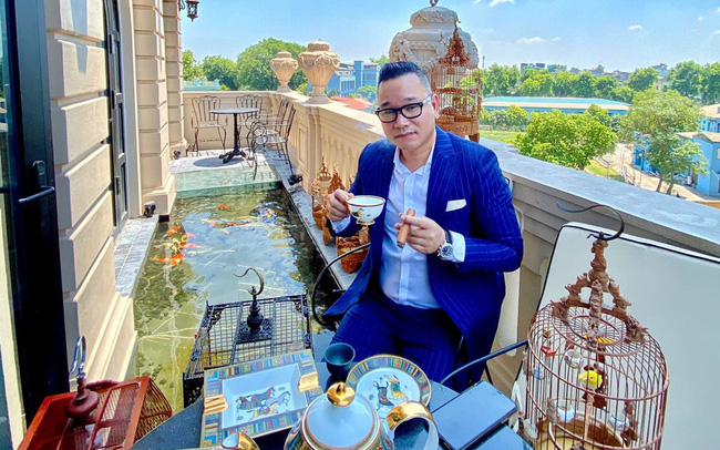 Đại gia Hà Nội xây biệt thự 9 tầng giữa lòng thành phố, chi 5 tỷ làm hồ cá, 10 tỷ mua chim quý