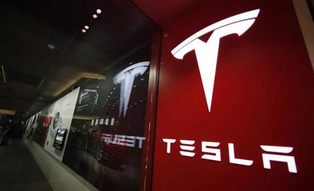 Tesla được cho là sắp sửa sản xuất bia